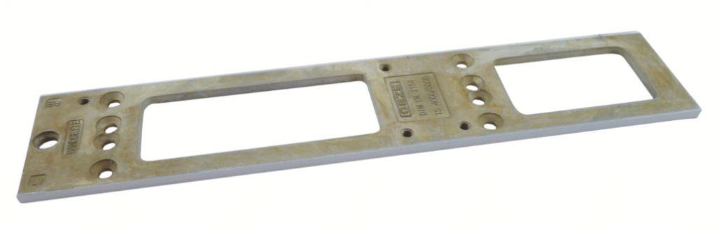 PLAQUE DE MONTAGE P/TS5000 BLC 9010