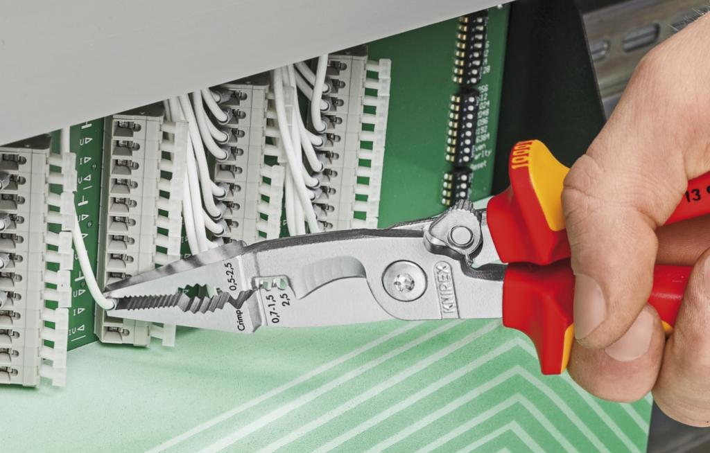 Pince universelle : Pince électricien multi-usages isolée 1000V VDE