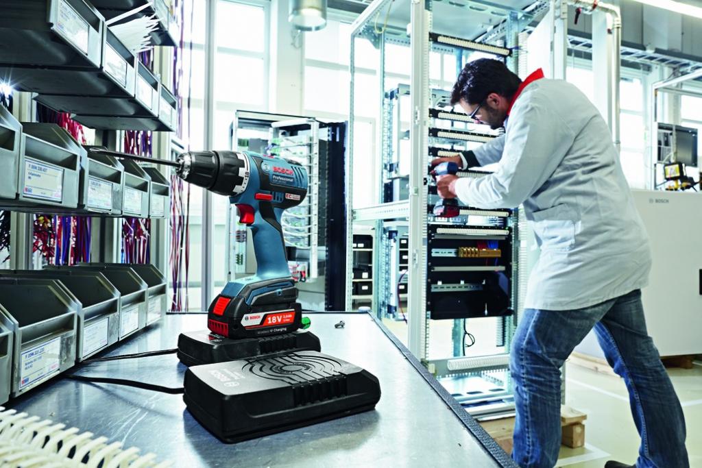 Perceuse-visseuse sans fil : GSR 18,0V-EC - technologie induction 4,0Ah