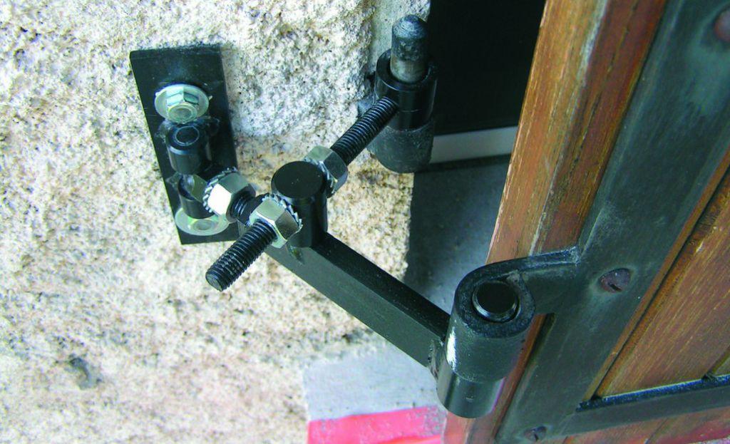 Ferrure de volet et portail : Corps de gond ISO
