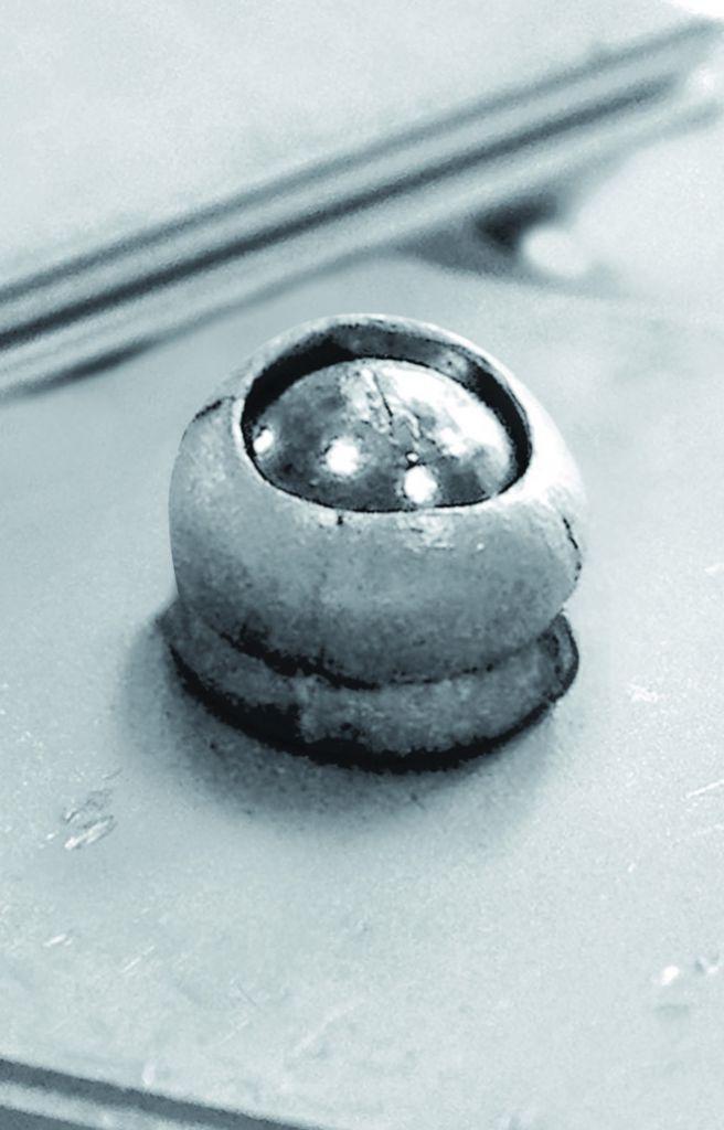 Rivet : Tête plate extra large - alu/tige acier