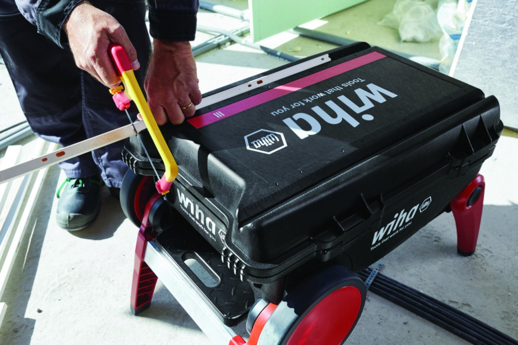 Composition d'outillage : Trolley III - 100 outils