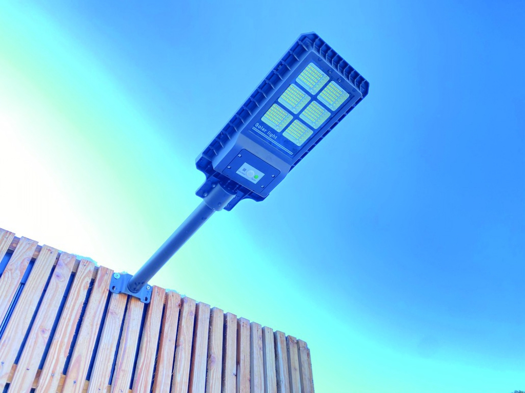 Projecteur : Lampa Neo 1800