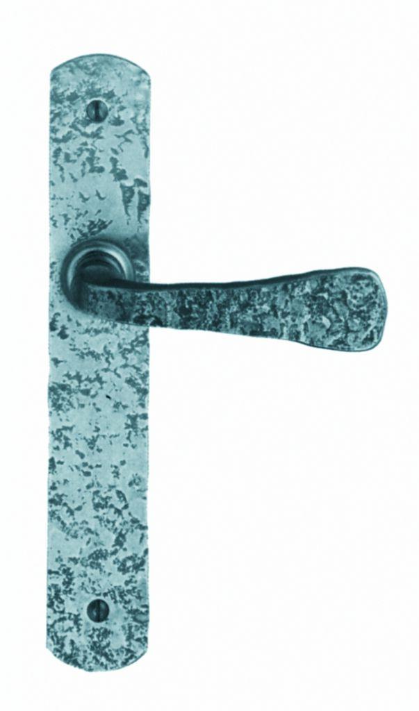 Garniture acier : Plaque fer martelé 240 x 40 mm - entraxe de fixation 195 mm