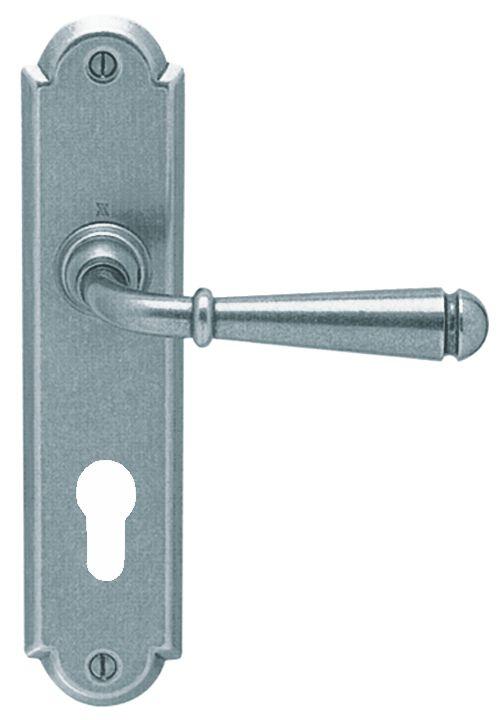 Garniture acier : Plaque 226 x 52 mm - entraxe de fixation 195 mm