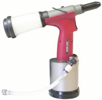 Pince à rivets - sertisseuse : Riveteuse oléo-pneumatique