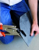 Outil de charpentier\couvreur : Pince à ardoise avec poinçon