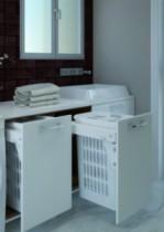 Agencement de salle de bain : Panier à linge coulissant