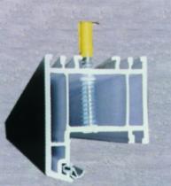 Fixation d'huisserie : Vis top roc PVC sur maçonnerie