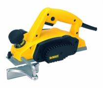 Rabot : DW 680 K - largeur de coupe 82 mm - 600 Watts